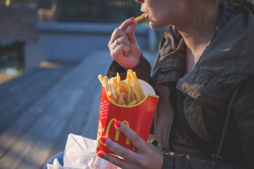 UK Doctors Urge for the Ban of Fast Food Restaurants Near Schools