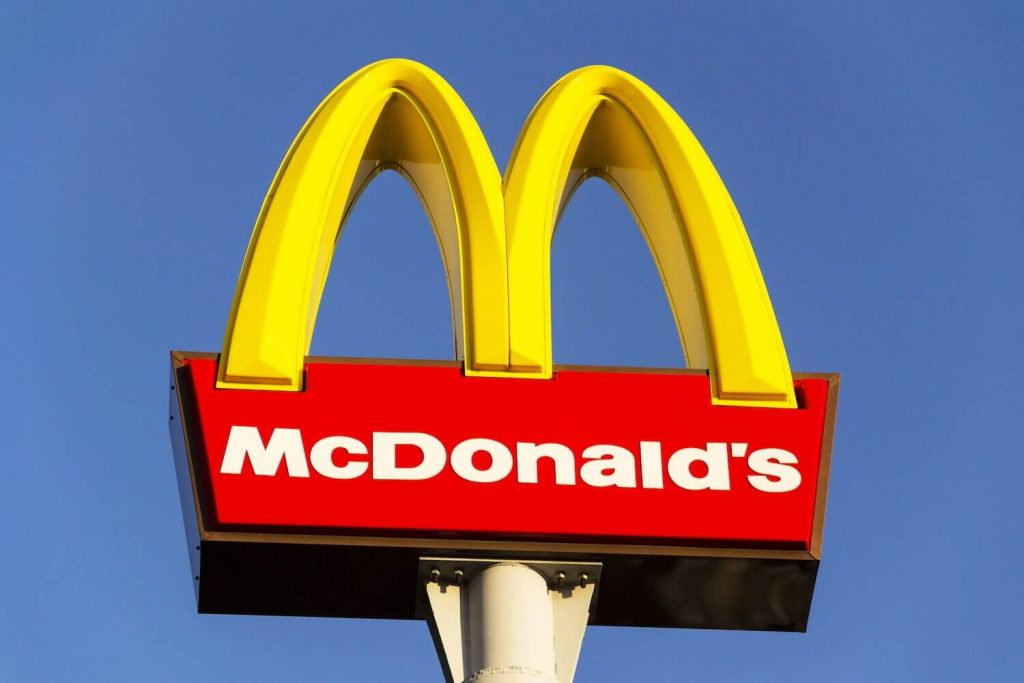 Doctors Urge UK to Ban Fast-Food Restaurants From School Zones