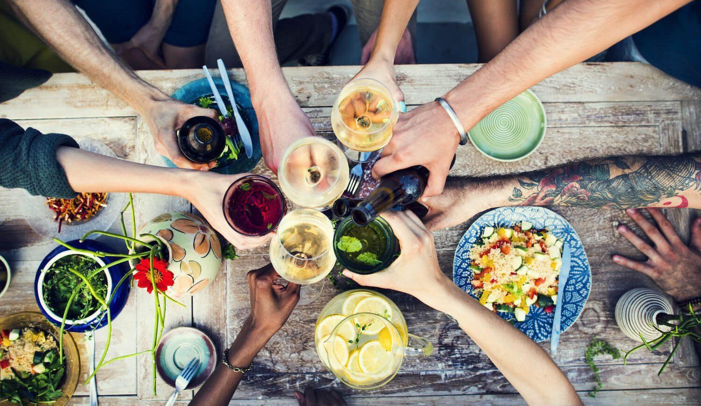friends celebrate food (1)