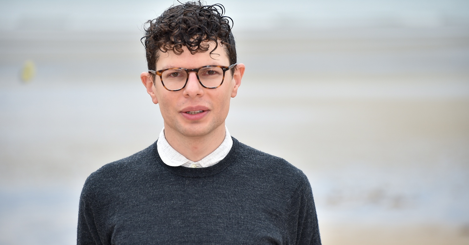 Vegan 'Carnage' Director and Comedian Simon Amstell Headlining UK's Vegan Camp Out