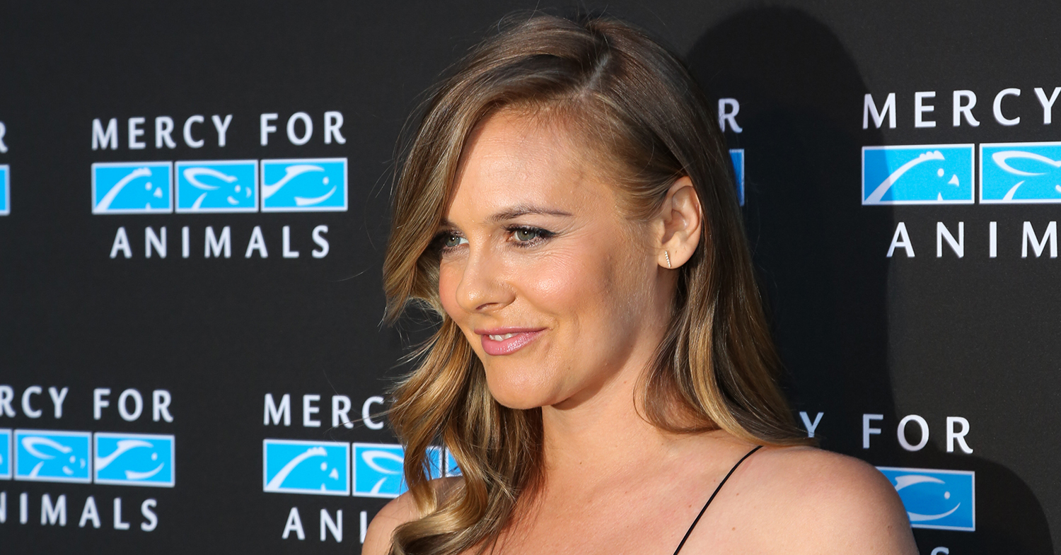 Alicia Silverstone Urges Followers to Attend Vegan Conference, WTH-COW-CON, in San Francisco