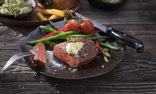 World's First Store-Bought Vegan Steak Sells Nearly 40,000 Units in One Week