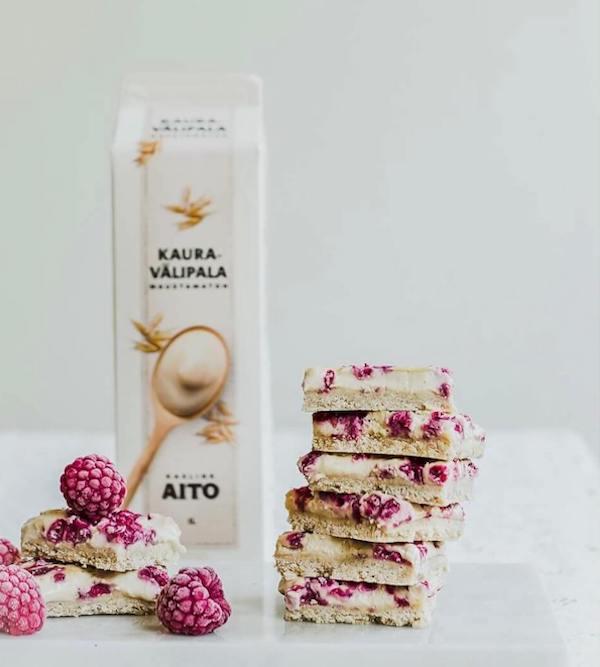 oat milk with raspberry bars