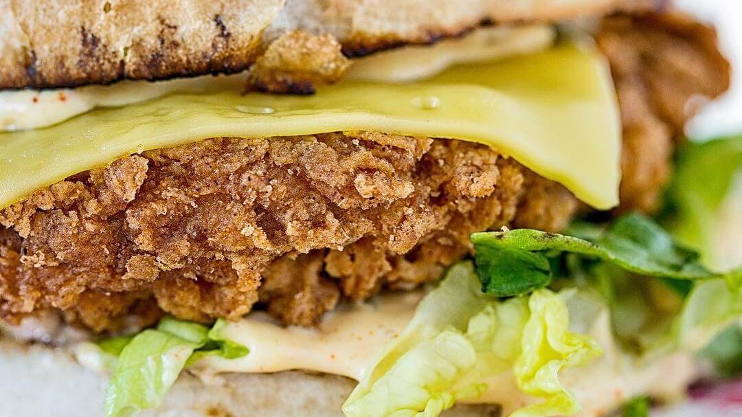 Meaty Fast-Food Chain Oowee to Open Vegan Diner in Bristol