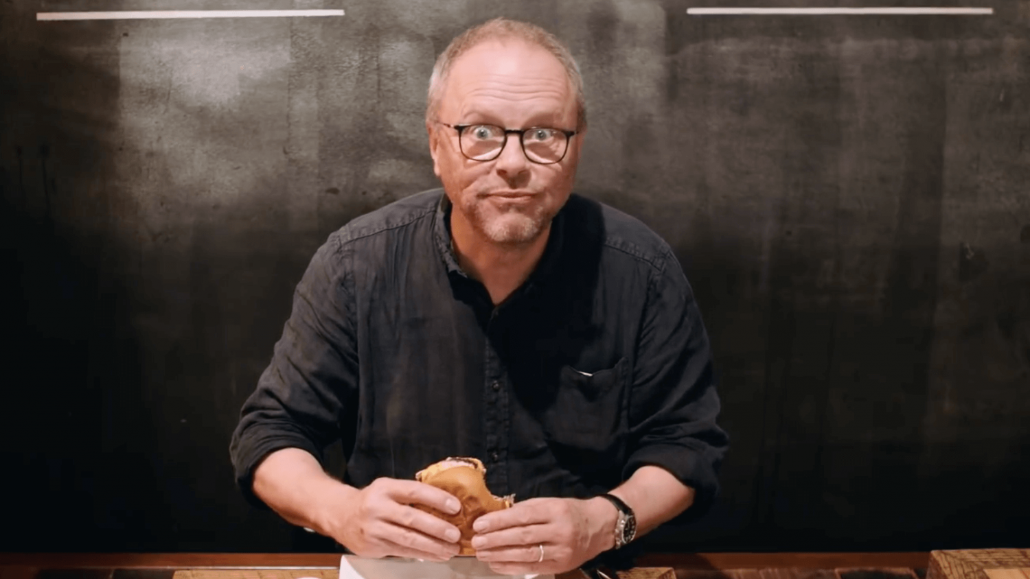 Red Dwarf Star Robert Llewellyn Dubs Vegan Burgers by Impossible Foods the 'Electric Cars of Beef'