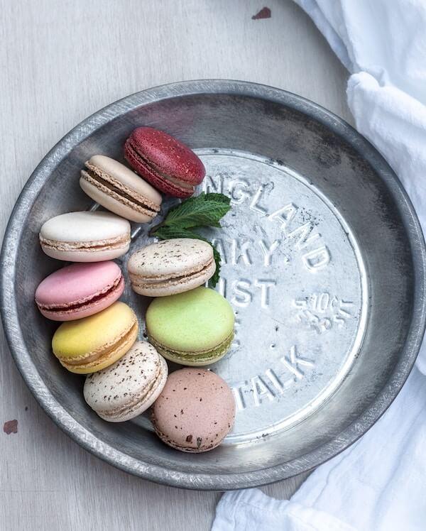 macarons in tin