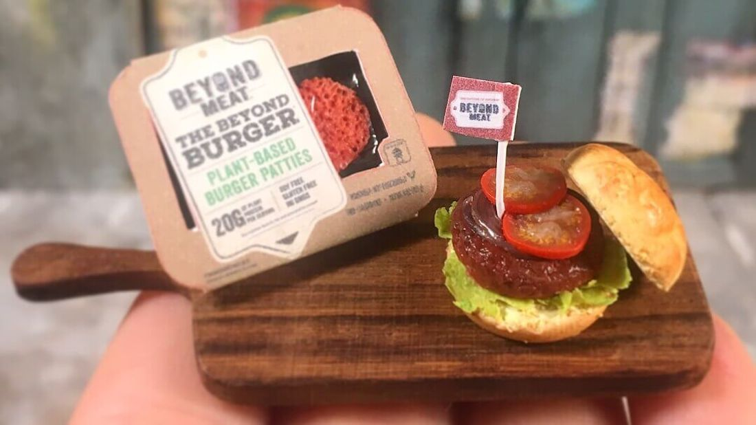 'The Tiny Chef Show' Creates Miniature Version of the Vegan Beyond Burger