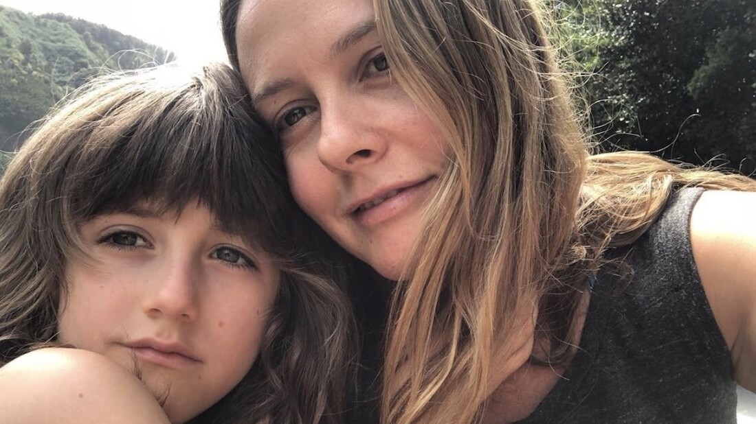 Becoming a Mom Inspired Alicia Silverstone's Vegan Non-GMO Vitamin Line 'Mykind Organics'