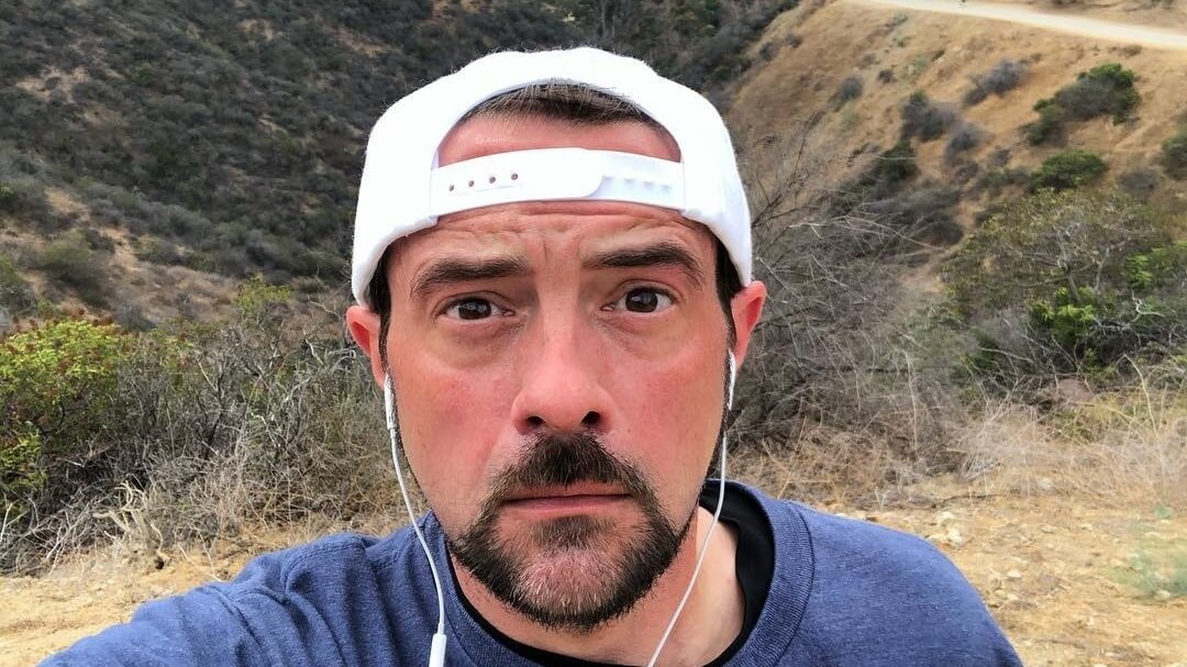 Vegan Filmmaker Kevin Smith Helps Rescue Horses From California Wildfire