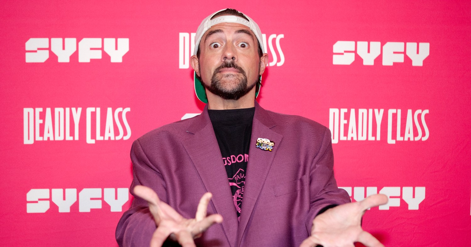 Filmmaker Kevin Smith Eats Vegan A&W Beyond Burgers While Filming 'Supergirl'