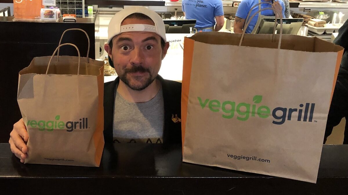 Vegan Filmmaker Kevin Smith Just Drove 3 Hours to Eat at the Nearest Veggie Grill