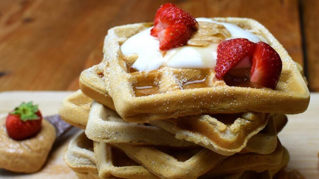 Easy Vegan Waffle Recipe You'll Want to Make Everyday
