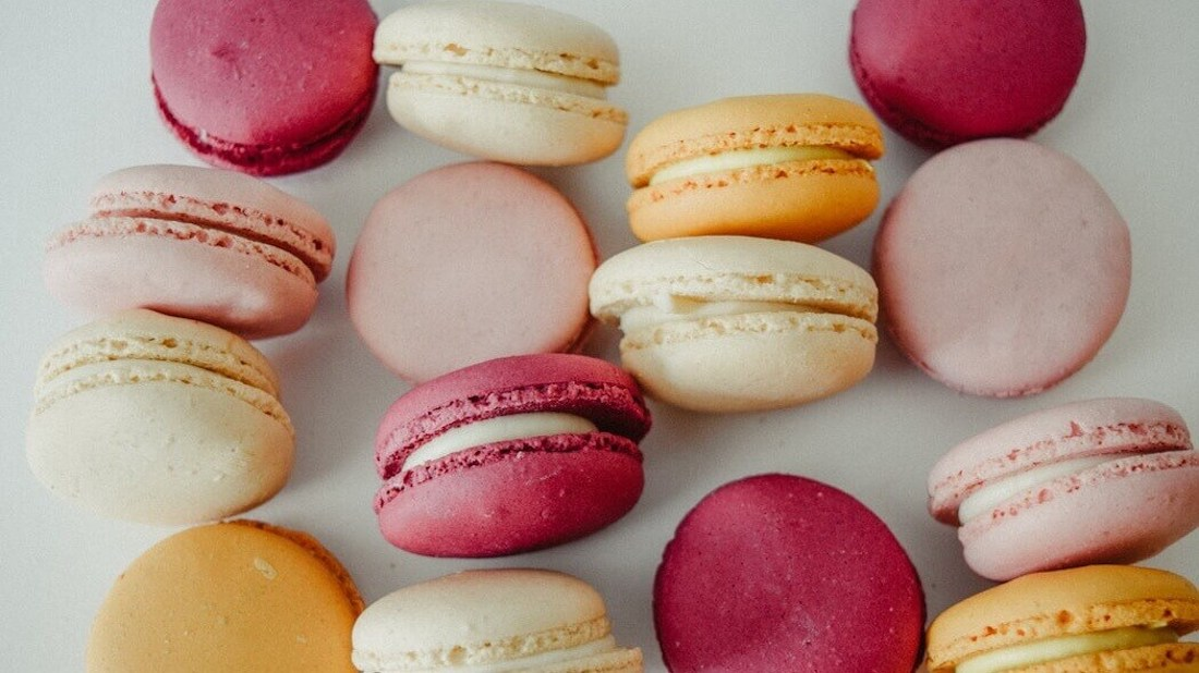 Vegan Aquafaba French Macarons For High Tea Afternoons Livekindly