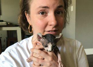 'Girls' Creator Lena Dunham Only Adopts Elderly Pets