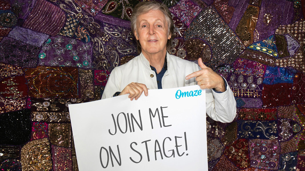 Duet on Stage With Paul McCartney for Supporting His Vegan Meat Free Monday Campaign
