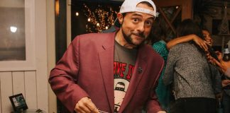 Vegan Filmmaker Kevin Smith Had 'Friendsgiving' Dinner With Veggie Grill