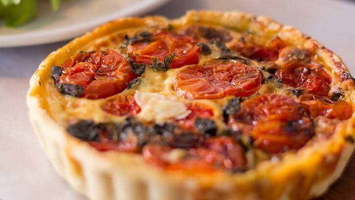 Easy Egg-Free Vegan Tomato and Cheese Quiche