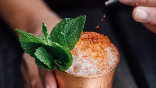 livekindly-vegan-cbd-cocktails-1 Cropped (2) (1)