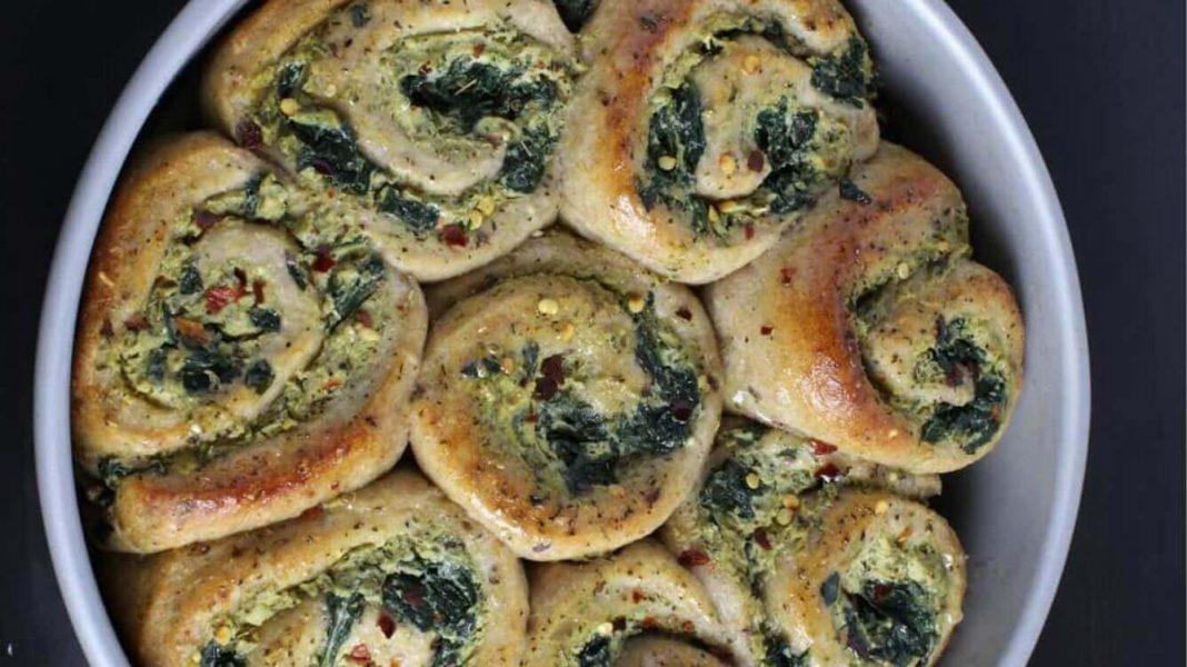 Vegan Garlic, Cheese, and Spinach Pizza Rolls Recipe