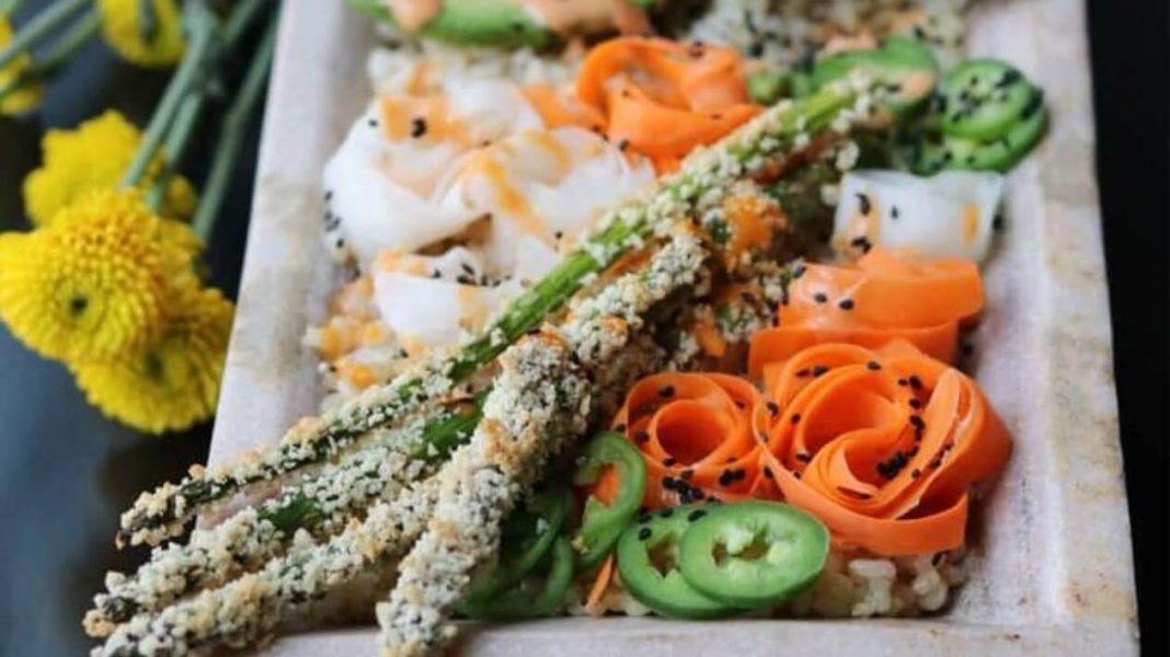 Crispy and Spicy Japanese Vegan Tofu Sushi Bowls With Tempura and Veggies
