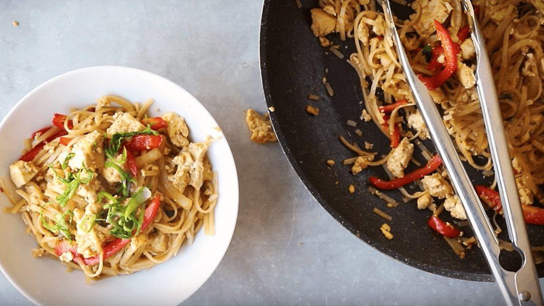 Vegan Thai Stir-Fry Soba Noodles With Garlic-Fried Tofu