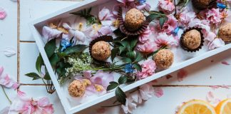 Vegan Carrot Cake Bliss Balls for An Instant Energy Burst