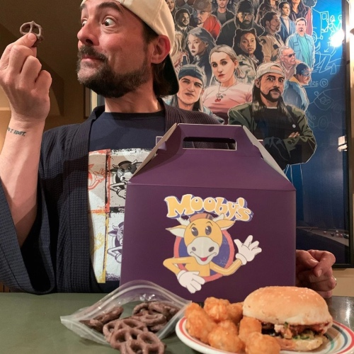 Kevin Smith Is Opening a Real-Life Vegan Mooby's