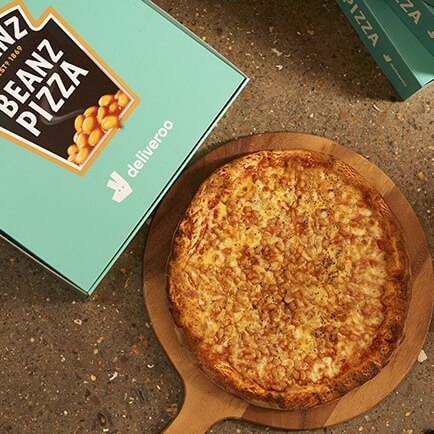 Heinz's Beanz Pizza is Back From the '90s and Now It's Vegan