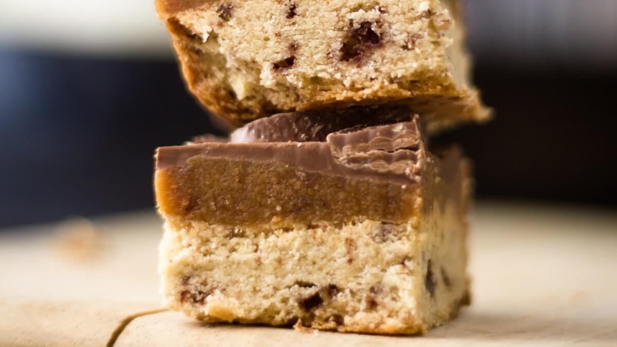 These Vegan Chocolate Hazelnut Bars Will Fix Your Life