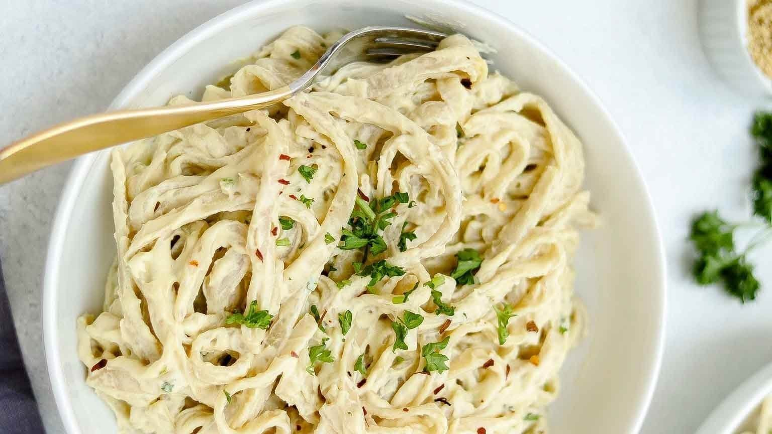 Cauliflower Makes This Vegan Fettuccine Alfredo Extra Creamy