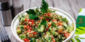 Easy Vegan Tabbouleh Salad With Quinoa