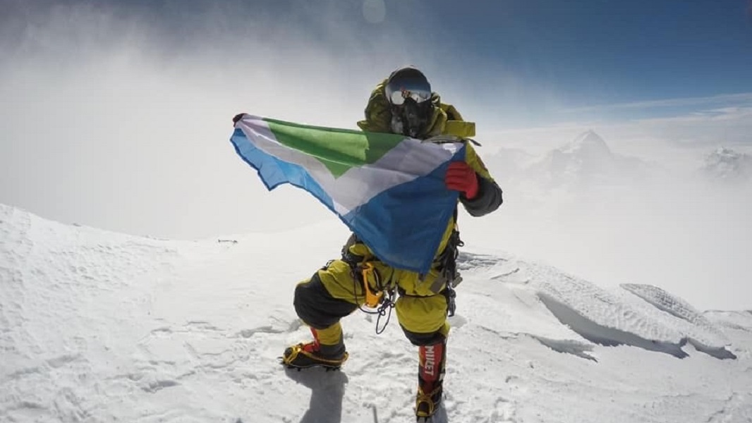 The First Vegan Just Summitted Mt. Everest With Animal-Free Gear