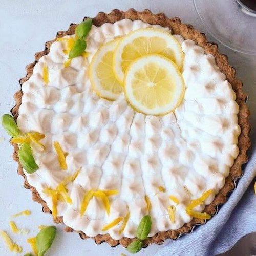 Fluffy Aquafaba Vegan Lemon Meringue Pie