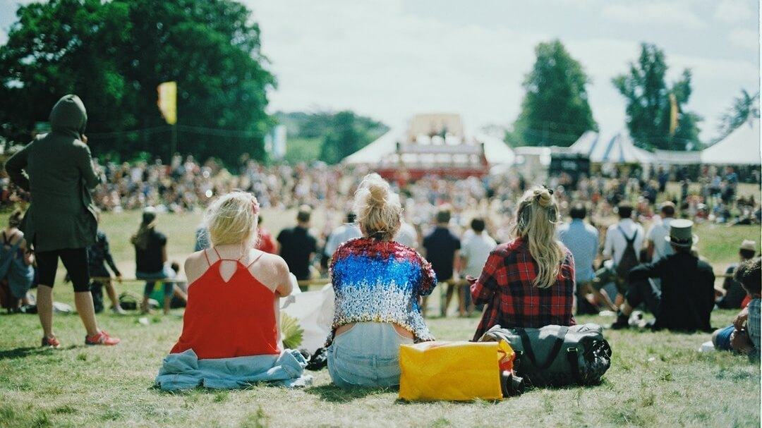 9 Ways to Make Your Summer Festivals Plastic-Free