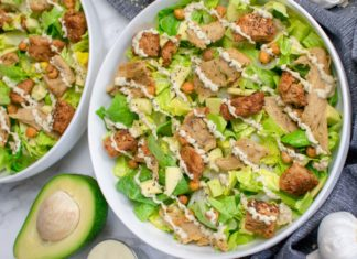 You Can Make This Vegan 'Chicken' Caesar Salad With Seitan or Tofu