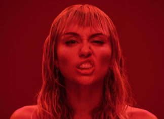 Miley Cyrus: 'Clean up the F-ing Oceans, There's No Planet B'