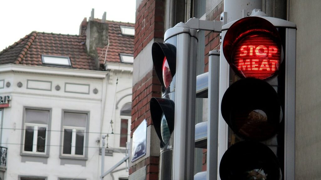 Berlin's Traffic Lights Want You to Go Vegan