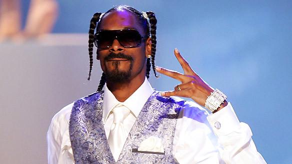 Watch Snoop Dogg Get Schooled on Vegan Meat