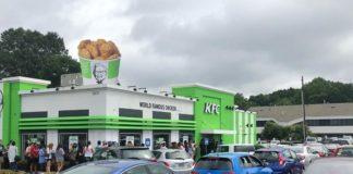 Customers Line Up Down the Street for Vegan KFC