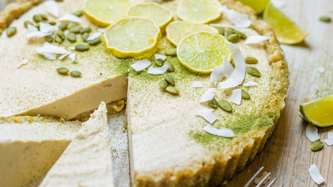 Vegan and Gluten-Free Key Lime Pie With Nutty Crust