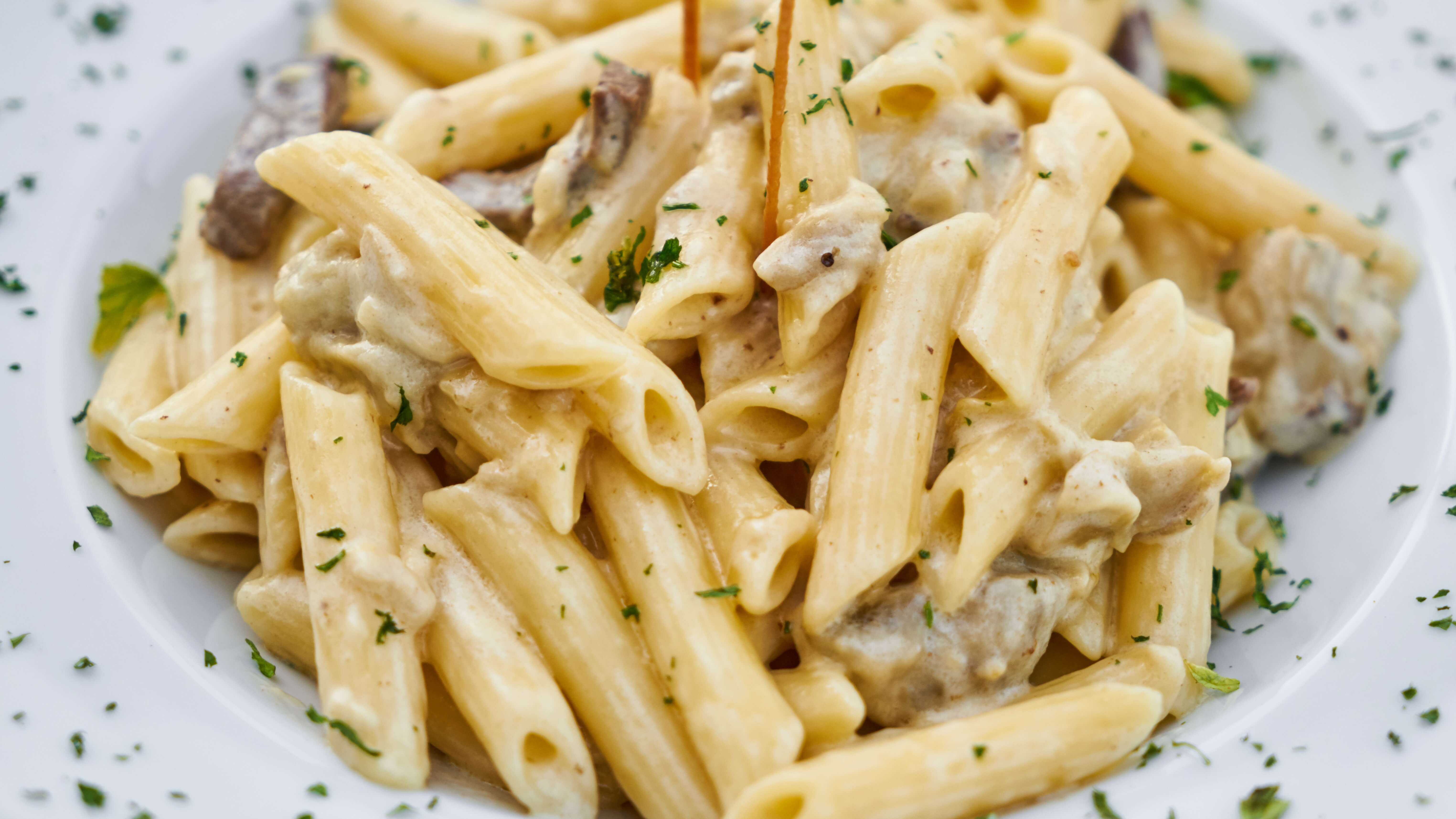 How to Make the Perfect Vegan Alfredo Sauce