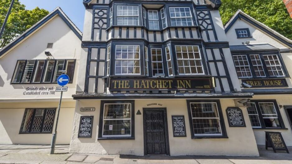 Bristol's Oldest Pub The Hatchet Is Now 100% Vegan
