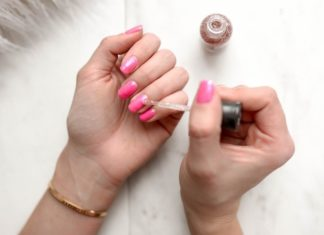 There's Now Bug-Free Vegan Shellac Made From Corn
