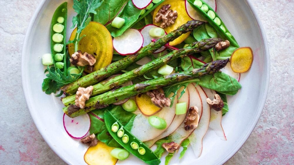 Vegan Spring Salad With Asparagus and Sugar Snap Peas