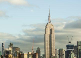 The Empire State Building Will Have a Vegan Starbucks Menu