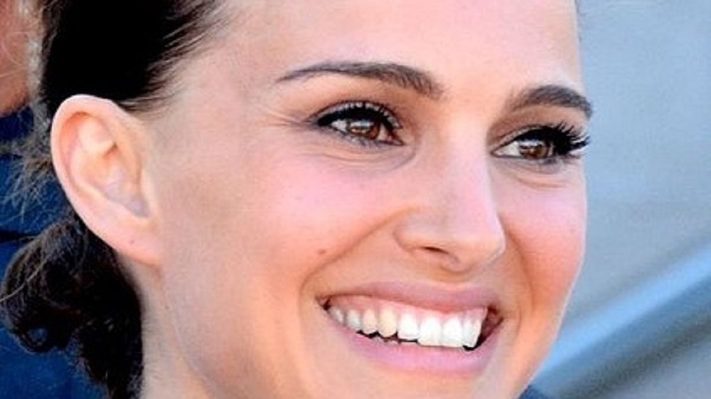 Natalie Portman Just Launched a Vegan Passover Challenge