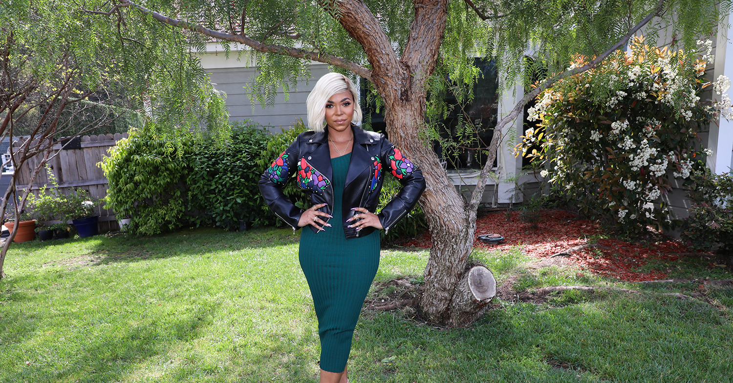 Ashanti Supports Frontline Workers With Free Vegan Meat