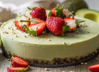 No Oven Required to Make This Raw Vegan Avocado Cake