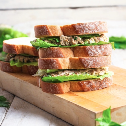 "Make This Vegan ""Chicken"" Salad Sandwich for Your Next Picnic"