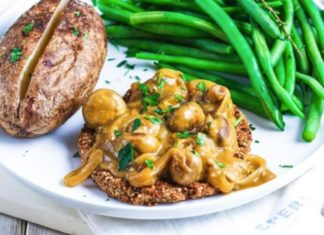 This Meaty Vegan Hamburger Steak Tastes Like the Real Thing